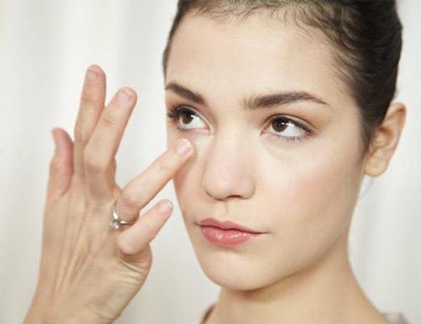 Điều trị quầng thâm mắt 2