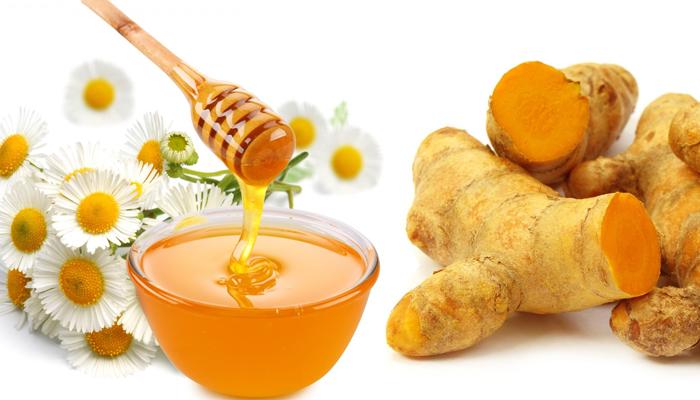 Mật ong kết hợp nghệ tươi là hỗn hợp tuyệt vời trong điều trị nám