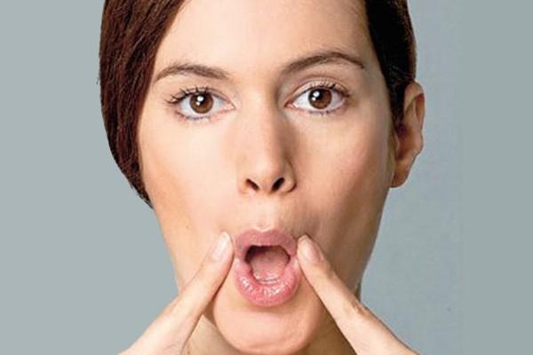 Xóa nếp nhăn khóe miệng - Tập thể dục cho cơ mặt