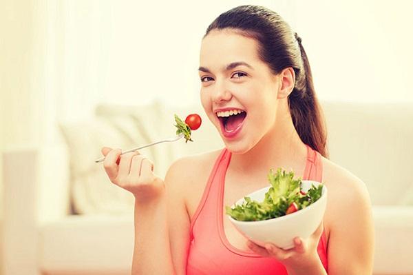 Ăn nhiều rau xanh giúp cung cấp vitamin cho da