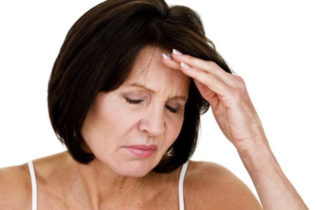 Biểu hiện da cổ nhăn nheo khi lão hóa