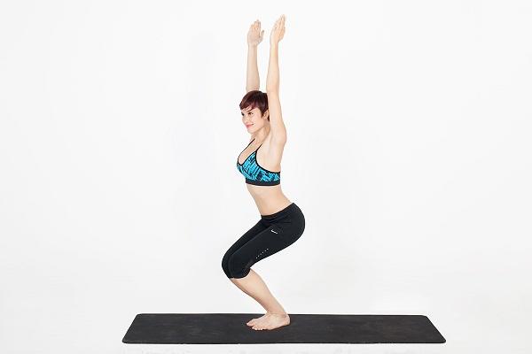Động tác Yoga tư thế tấn thải độc cho cơ thể