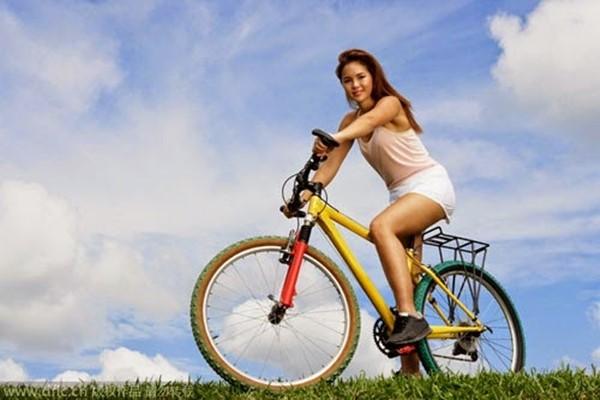 Phụ nữ nên tập đạp xe hàng ngày