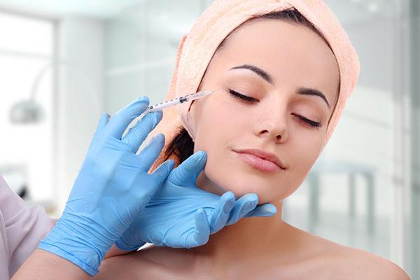Tiêm botox cũng có thể khiến bạn gặp rủi ro trước ngày cưới